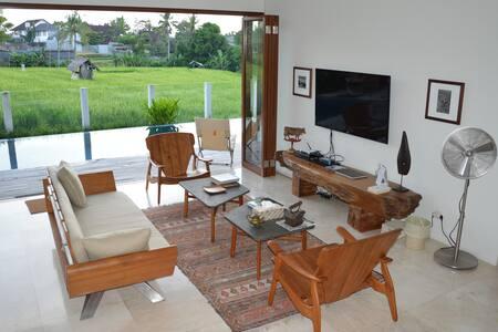 Oemah P'Adi Villa Bali - North Kuta - Villa