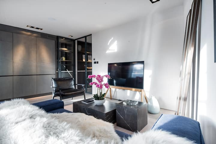 CAPITAL | Luxury Two Bedroom Apartment South Ken 3