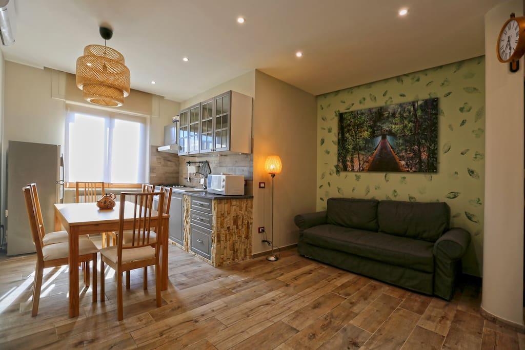 Soggiorno con angolo cottura /living room with kitchenette