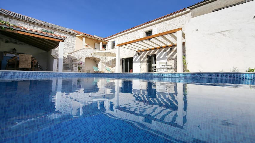 Dalmatian stone villa with pool , Nin