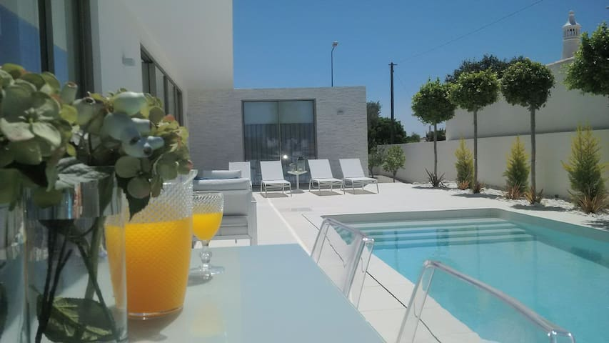 New Amazing Villa in Albufeira - Vale Rebelho - Huis