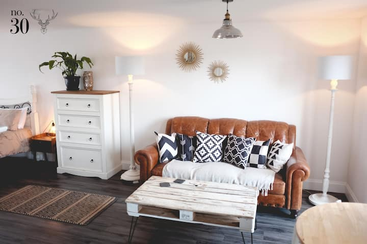 Portree Self Catering - No. 30, Isle & Rest Studio