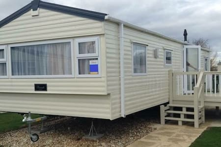 Superb 8 Berth Caravan on Butlins - Ingoldmells