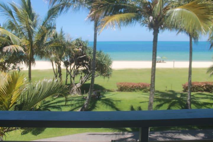 Tangalooma Beachfront Villa 17