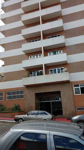 Promoção estadia no  centro de São Lourenço - São Lourenço - Apartment