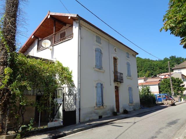 Chambre chez l'habitant - Lesparrou - Casa