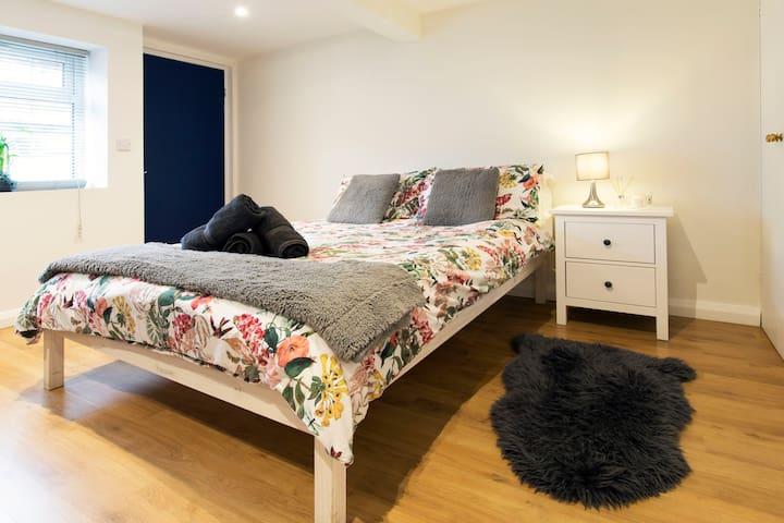 Modern Studio Flat - Oxford