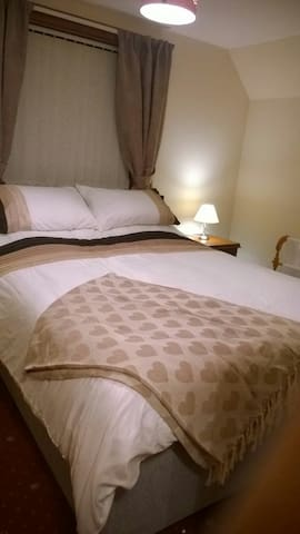 Sea-Escape B&B Room 1 double & private bathroom - Ullapool