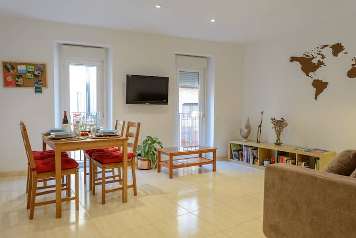 Comfy apartment in Banyoles - Feels like home