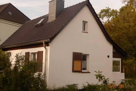 Ferienhaus im Grünen in Leipzig-Liebertwolkwitz