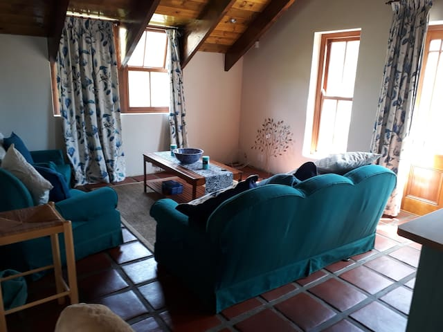 Lovebird Lodge Fully Equiped Self Catering Unit