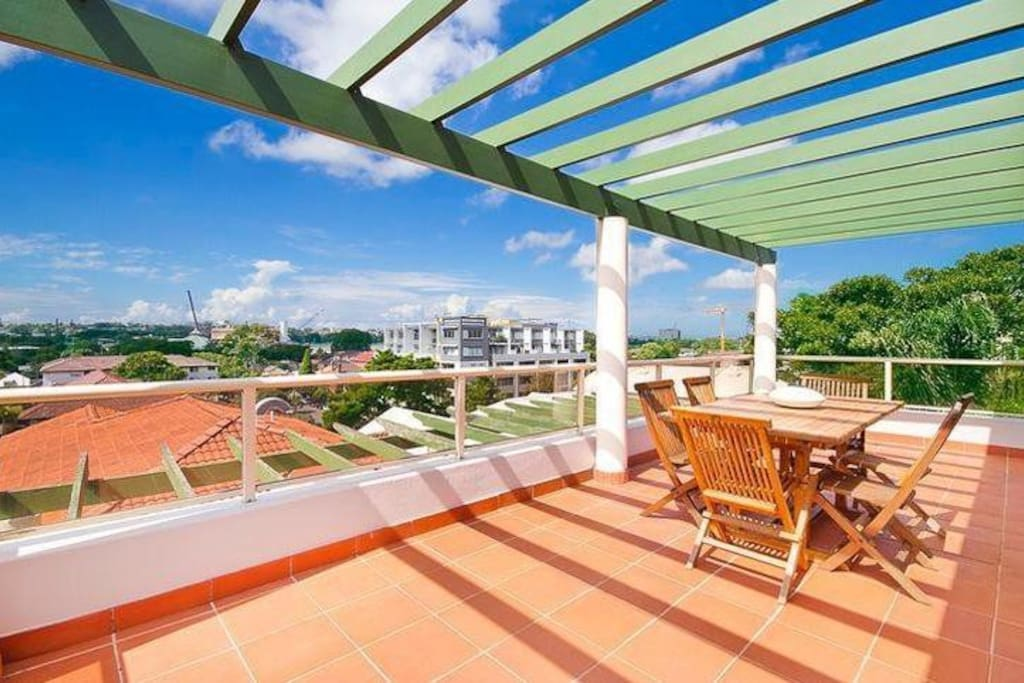 Spacious patio overlooking Randwick racecourse