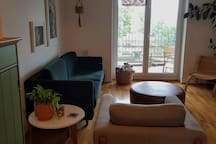 Living Room and wintergarden (second balcony)