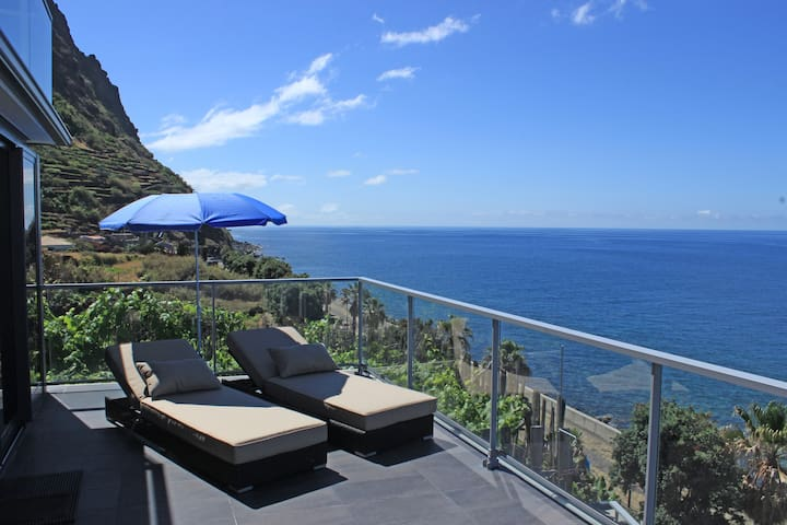 Oceanfront Living at its best! - Jardim Do Mar - Apartment
