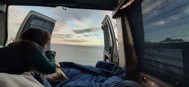 Comoda Camper Astro Van. (Automática, Licencia B)