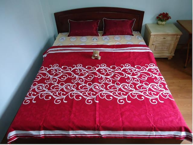 Rooms are nice and friendly family - Hanoi - House