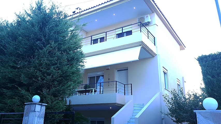 Villa Aelia. Luxurious Villa near the sea