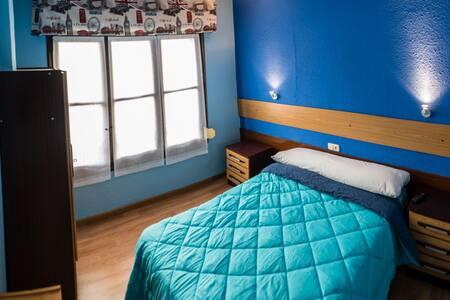 Hostal Londres.Habitación baño privado HLE 00037