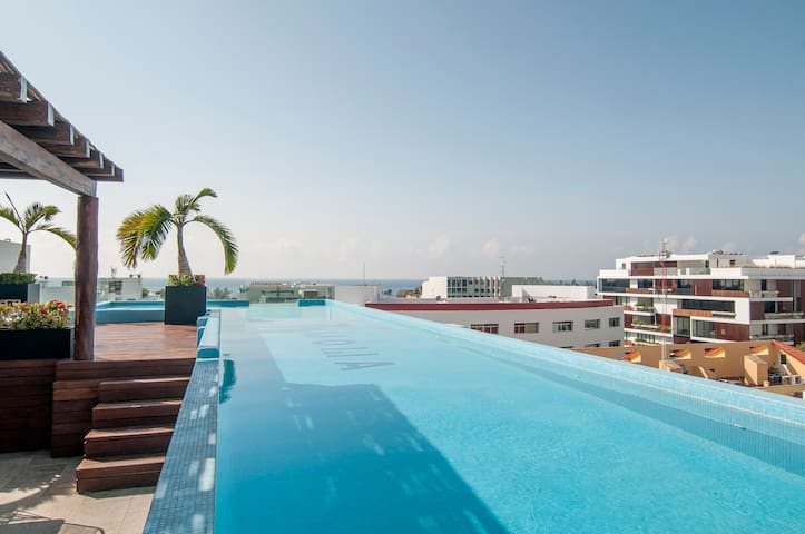 Boutique Apartment with Ocean View Rooftop