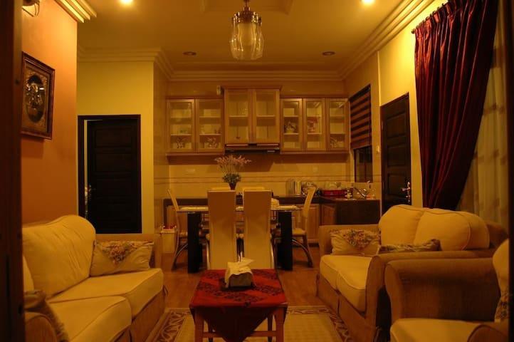 Villa Sri Adis Homestay