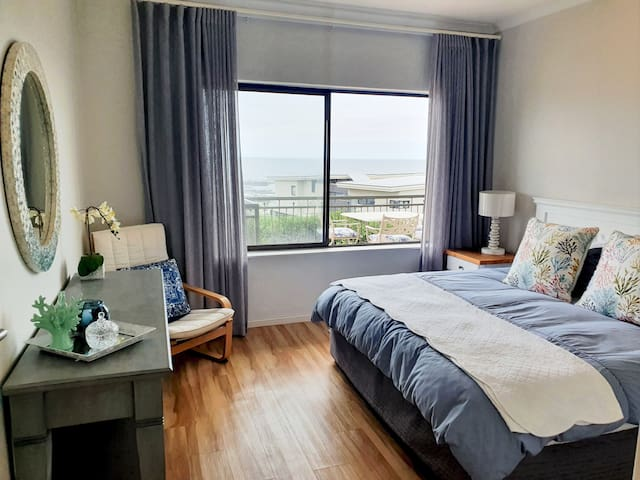 2nd Bedroom with King Size bed with ocean views