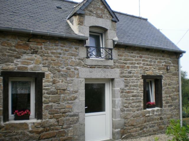 Maison, campagne proche de la mer - Plaintel - House
