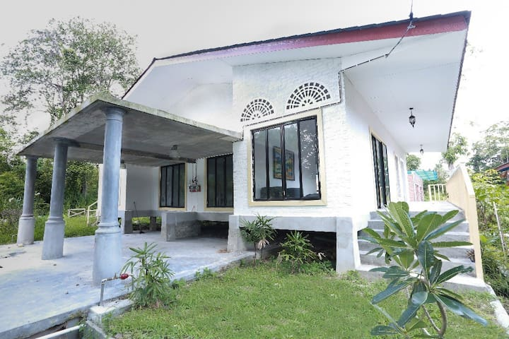 Rouhi Villas: Fraser, Malay Colonial House