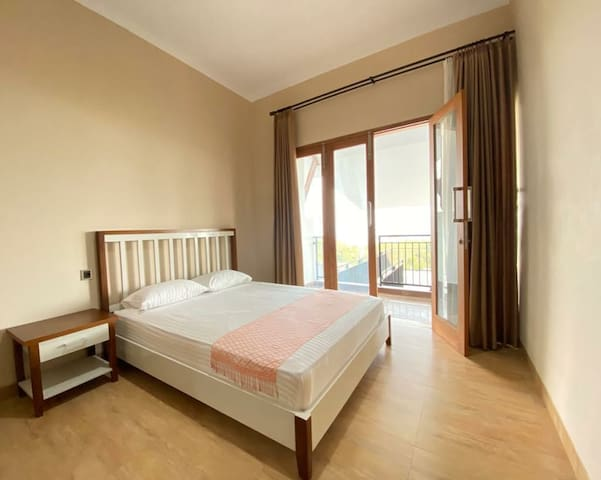 Salah satu kamar di lt.2 dengan view pemandangan yang mengasikkan
