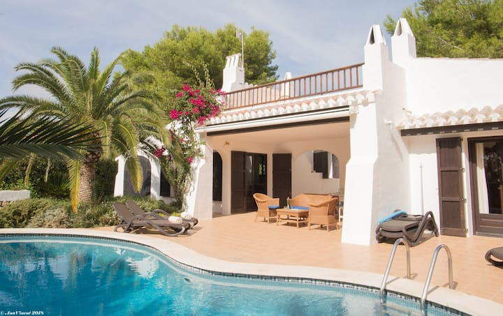 Top rated lovely Menorca villa in Binibecca