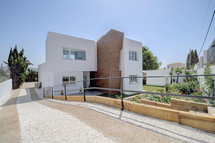Modern Villa in Valle Romano, Estepona