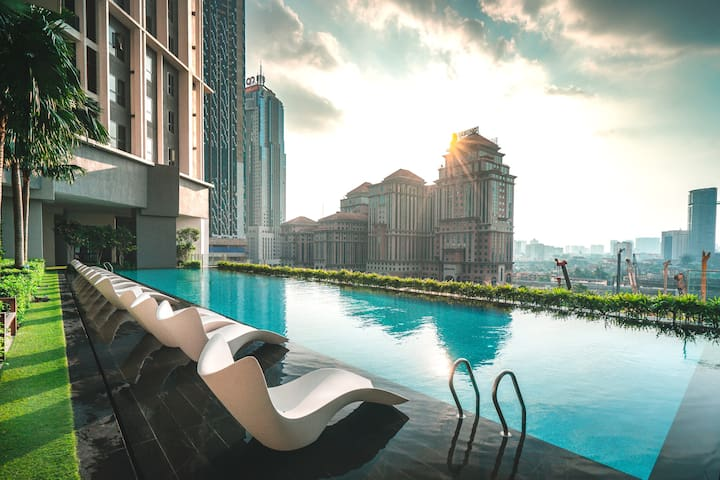5 stars KLCC Luxury Suite | Bathtub +Rooftop+WiFi
