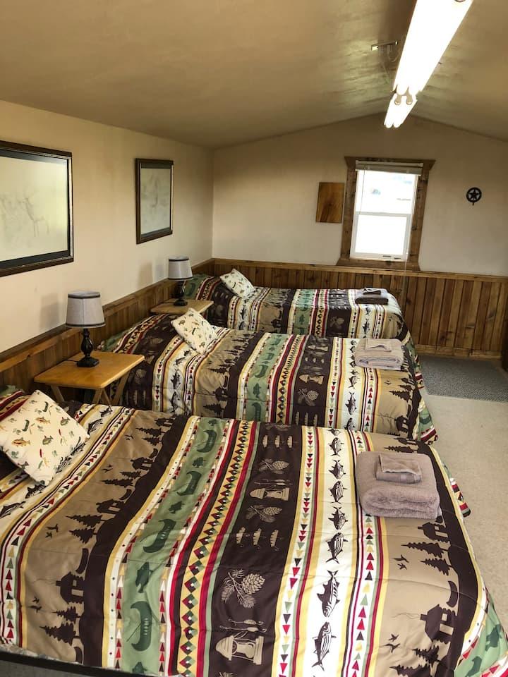 Kara Creek Ranch - 3 Bed Cabin
