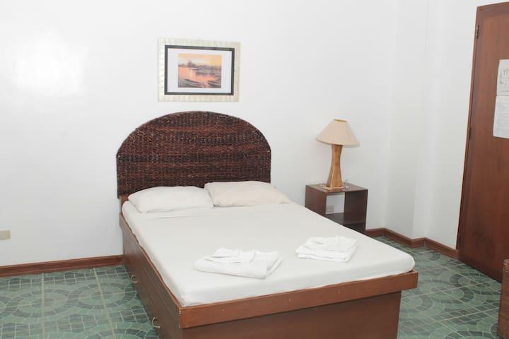 BacBac Room, Baclayon Bed & Breakfast - Tagbilaran - Pis