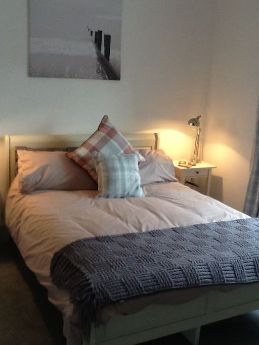 Lovely comfortable king size bed, with soft cotton bedding for the perfect nights sleep.