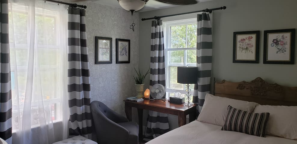 Two Bedroom & Bath Suite in the Village