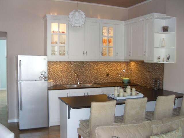 Full apartment for 4- Διαμέρισμα 45 τετραγωνικά