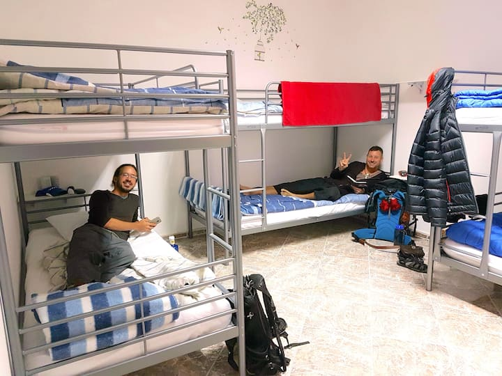 Canary Sun Hostel - Standard 6 Bed Mixed Dorm