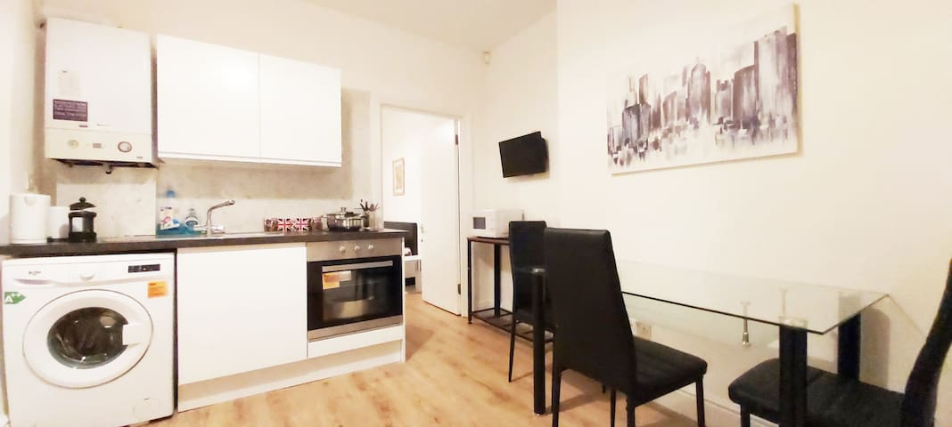 COZY 1 BEDROOM APARTMENT IN CENTRE LONDON WOOLWICH