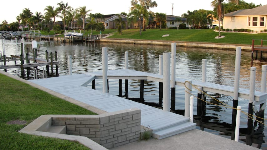 SPEND 4TH OF JULY OR NEW YEARS ON THE WATER - Cape Coral - Hus