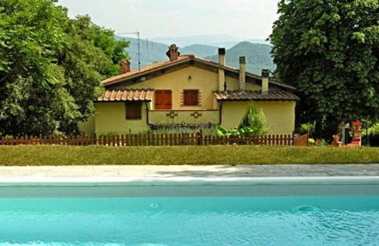 Panoramic country house with pool, quite position - Corella - Huis