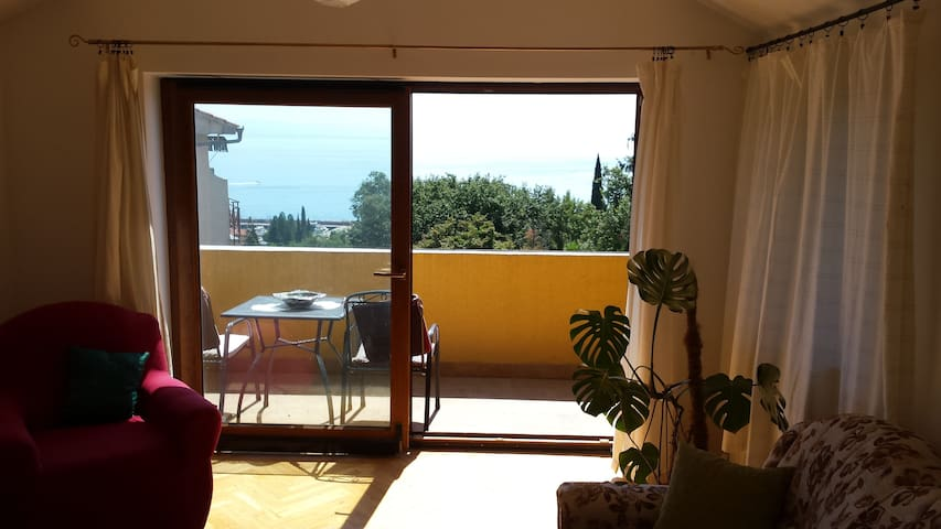 Great price apartment near the sea - Ičići - Daire