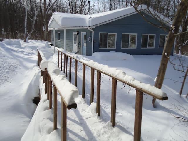 Cozy Slate Valley Cottage, SW Vermont