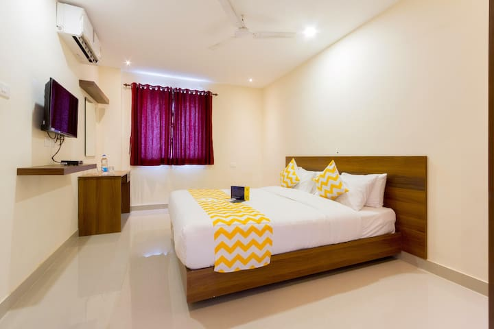 Paradise Deluxe Stays with Modern Decor 4kms from Coimbatore International Airport
