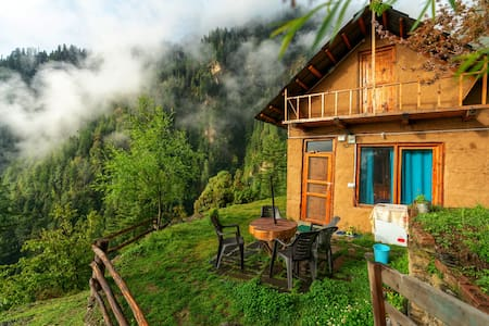 Nabokov's Cottage|Unlimited Internet|Kitchen