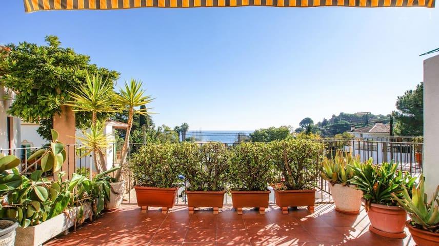 Apartamento con encanto con vistas al mar