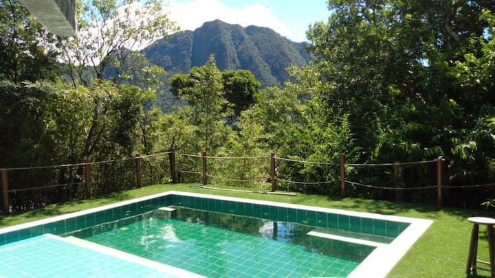 Casa com piscina na Serra de Teresópolis 8 pessoas