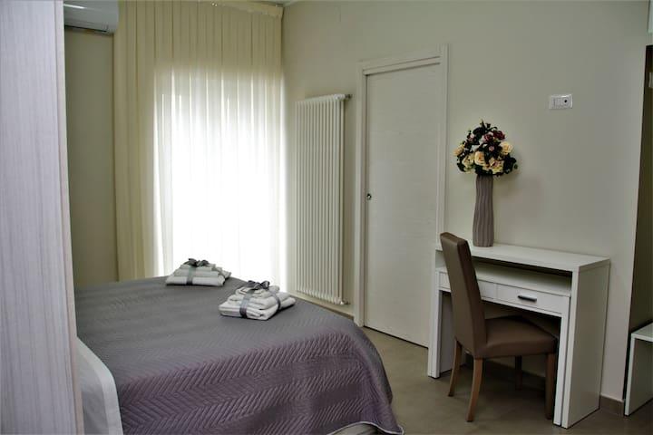 Camera da letto con bagno annesso