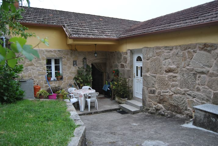 O Eido de Esther (Casa do Rural) - Uma - Haus