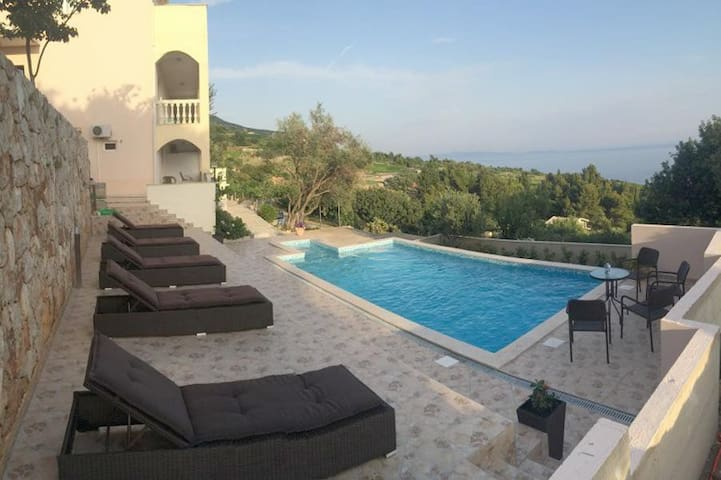 One bedroom apartment with terrace and sea view Mokalo, Pelješac (A-639-d)