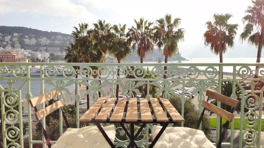 Port district - lovely 3 rooms 70 sqm sea view